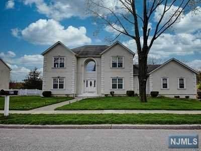 739 High Mountain Road, North Haledon, NJ 07508 (MLS #21013256) :: Team Francesco/Christie's International Real Estate