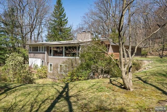 28 Cherry Tree Lane, Kinnelon Borough, NJ 07405 (MLS #21013341) :: The Sikora Group