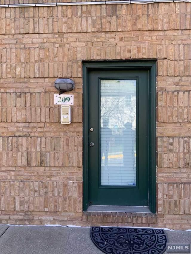 50-209 Pine Street - Photo 1