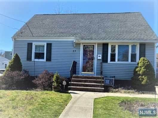 29 Meadow Drive, Totowa, NJ 07512 (MLS #21013534) :: Provident Legacy Real Estate Services, LLC