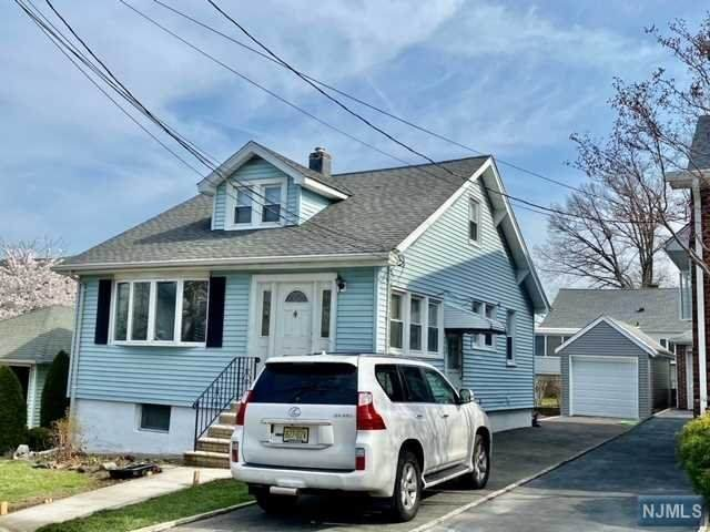 979 Slocum Avenue, Ridgefield, NJ 07657 (MLS #21013547) :: Provident Legacy Real Estate Services, LLC