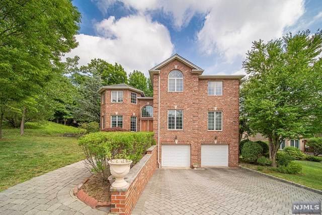 6 Sara Hill Lane, Englewood Cliffs, NJ 07632 (MLS #21013574) :: Provident Legacy Real Estate Services, LLC