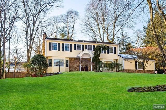 809 Arcadia Place, River Vale, NJ 07675 (MLS #21013789) :: Kiliszek Real Estate Experts