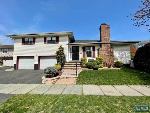 180 W Passaic Avenue, Rutherford, NJ 07070 (#21014050) :: NJJoe Group at Keller Williams Park Views Realty
