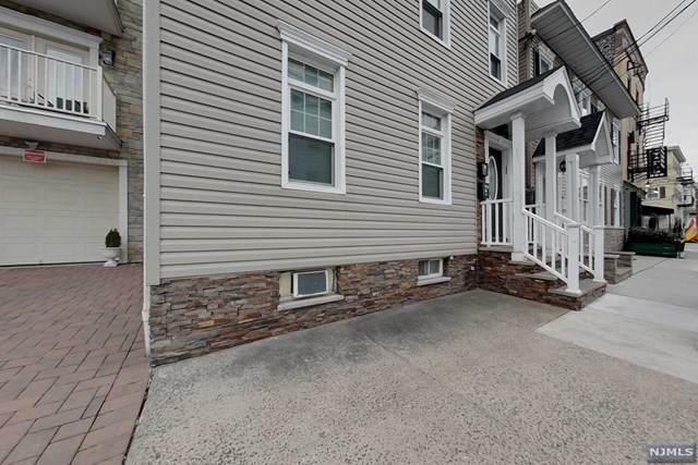 37 Paterson Street, Newark, NJ 07105 (MLS #21014226) :: Howard Hanna Rand Realty