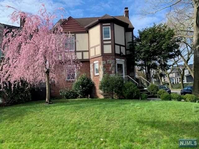 178 E Pierrepont Avenue, Rutherford, NJ 07070 (#21014285) :: NJJoe Group at Keller Williams Park Views Realty