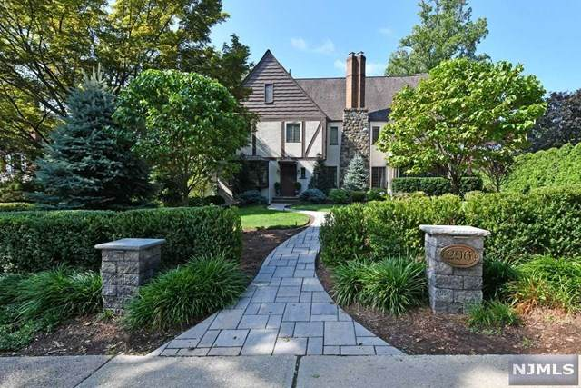 296 W Ridgewood Avenue, Ridgewood, NJ 07450 (MLS #21014362) :: Team Francesco/Christie's International Real Estate