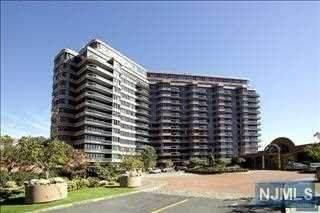100 Carlyle Drive 16CN, Cliffside Park, NJ 07010 (MLS #21014645) :: RE/MAX RoNIN