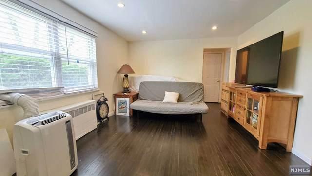 529A Grand Avenue, Leonia, NJ 07605 (MLS #21014707) :: Kiliszek Real Estate Experts