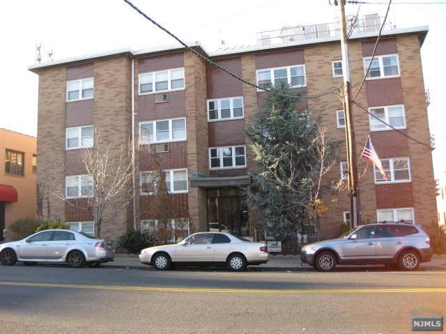 427-431 Broad Avenue - Photo 1