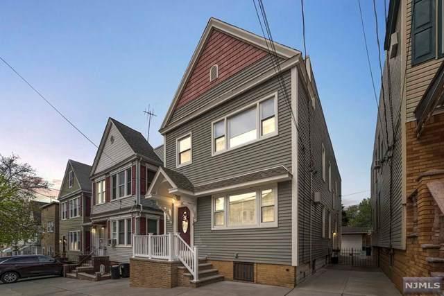 306 Van Nostrand Avenue - Photo 1