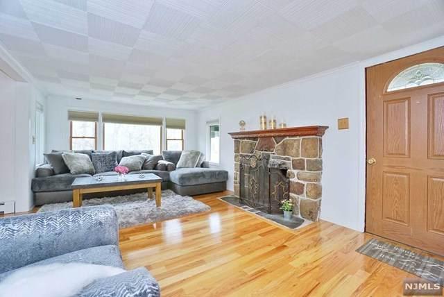72 Signal Hill Trail, Sparta, NJ 07871 (MLS #21015845) :: Kiliszek Real Estate Experts