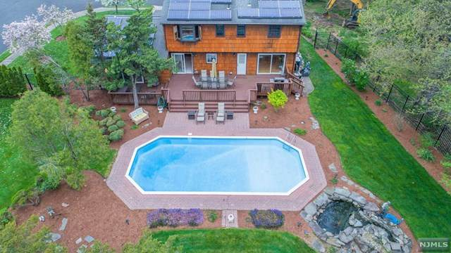 362 Old Country Road, Fairfield, NJ 07004 (MLS #21016275) :: Kiliszek Real Estate Experts
