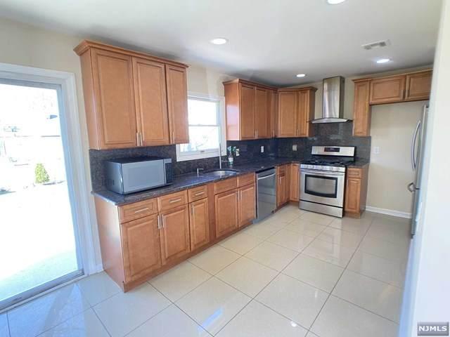 65 W Henry Place, Woodbridge, NJ 08830 (MLS #21016428) :: Kiliszek Real Estate Experts