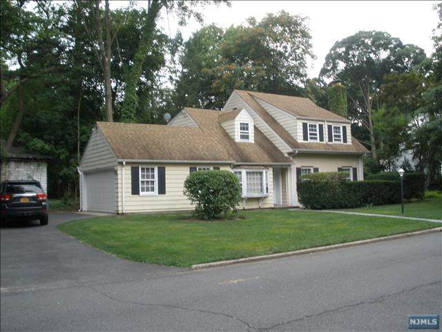82 Windsor Road, Tenafly, NJ 07670 (MLS #21016626) :: Corcoran Baer & McIntosh