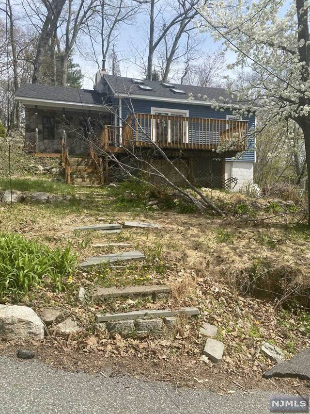 20 Paterson Road, West Milford, NJ 07421 (#21017161) :: NJJoe Group at Keller Williams Park Views Realty