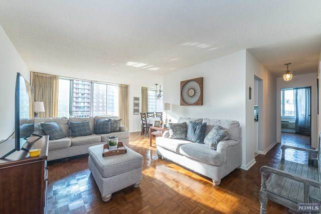 160 Overlook Avenue 9F, Hackensack, NJ 07601 (MLS #21017195) :: Team Francesco/Christie's International Real Estate