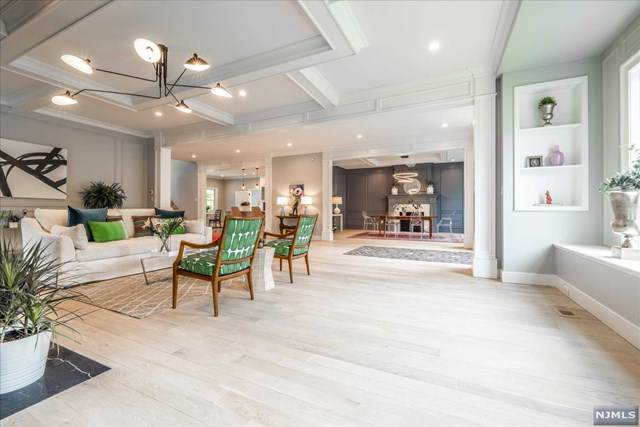 411 Park Street, Montclair, NJ 07043 (MLS #21017196) :: Team Francesco/Christie's International Real Estate