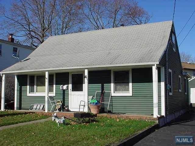 9 Memorial Place, Elmwood Park, NJ 07407 (MLS #21017217) :: Corcoran Baer & McIntosh