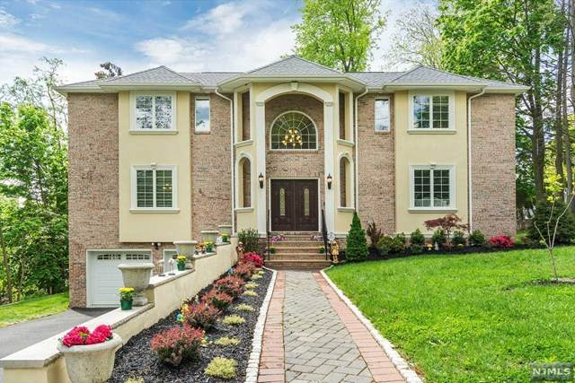 205 Saint Nicholas Avenue, Hillsdale, NJ 07642 (MLS #21017308) :: Kiliszek Real Estate Experts