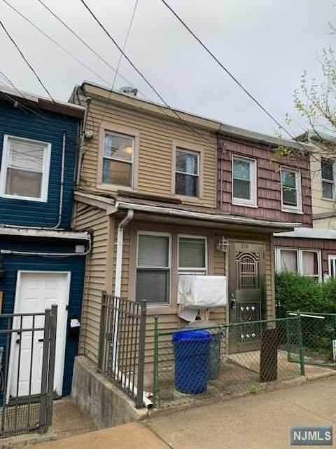 210 19th Street, Union City, NJ 07087 (MLS #21017400) :: RE/MAX RoNIN