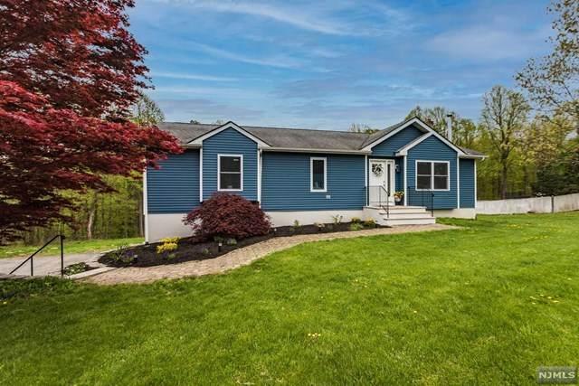 1750 Glenwood, Vernon, NJ 07461 (MLS #21017409) :: Kiliszek Real Estate Experts
