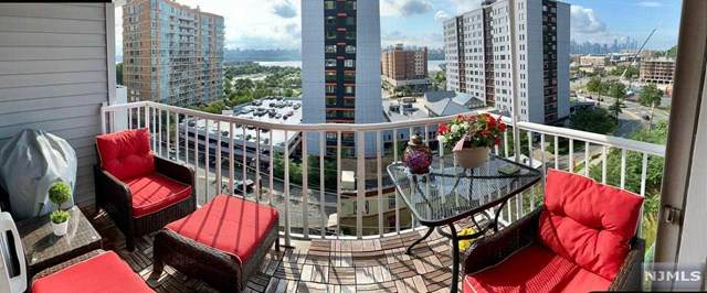 30 Legend Hills Drive, Edgewater, NJ 07020 (MLS #21017875) :: Kiliszek Real Estate Experts