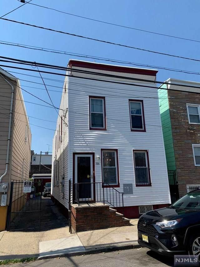106 Nichols Street - Photo 1