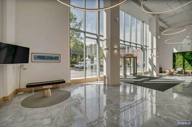 3 Somerset Lane #324, Edgewater, NJ 07020 (MLS #21018506) :: Kiliszek Real Estate Experts
