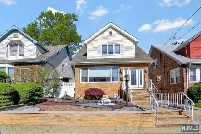 715 Hillside Avenue, Cliffside Park, NJ 07010 (MLS #21018547) :: Kiliszek Real Estate Experts
