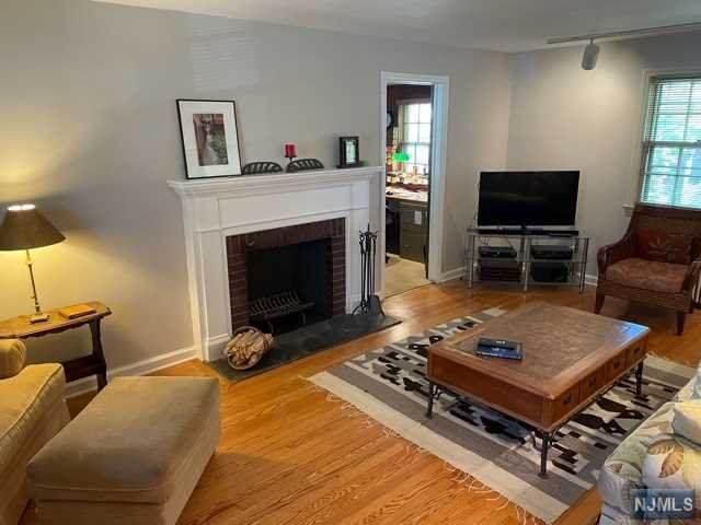 565 Mildred Street, Teaneck, NJ 07666 (MLS #21018558) :: The Sikora Group