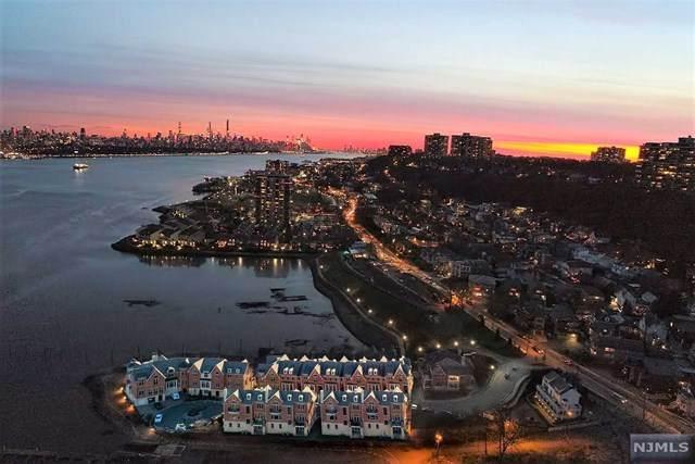 17 Moorings Lane, Edgewater, NJ 07020 (MLS #21018566) :: Kiliszek Real Estate Experts