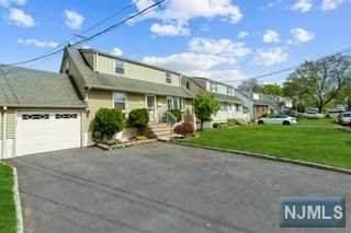 37 N 10th Street, Kenilworth, NJ 07033 (#21018594) :: United Real Estate