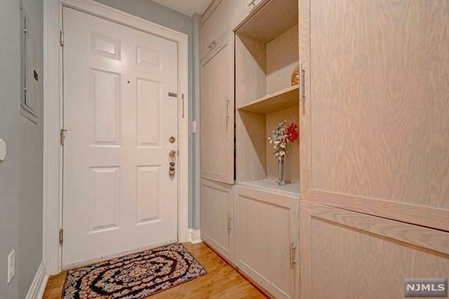 515 Gregory Avenue #2, Weehawken, NJ 07086 (MLS #21018770) :: Kiliszek Real Estate Experts