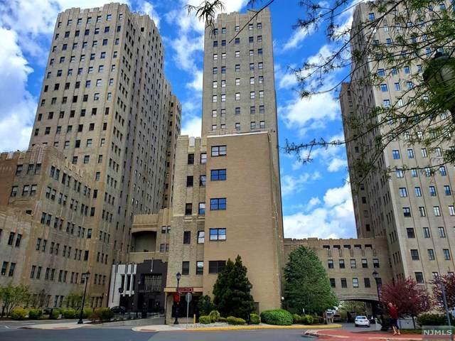 4 Beacon Way #1708, Jersey City, NJ 07304 (MLS #21018791) :: Kiliszek Real Estate Experts