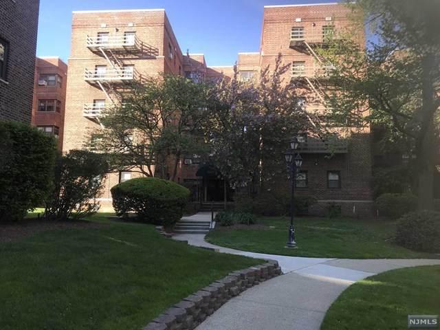 2337 Hudson Terrace - Photo 1