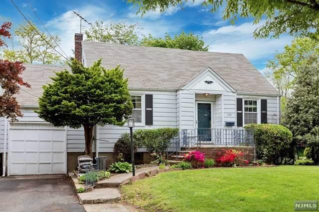 124 Hazley Avenue, Rochelle Park, NJ 07662 (MLS #21019599) :: Team Braconi   Christie's International Real Estate   Northern New Jersey