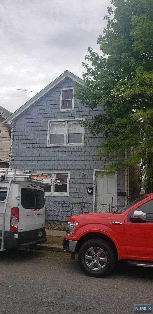 354 Henry Street, Orange, NJ 07050 (#21019953) :: United Real Estate