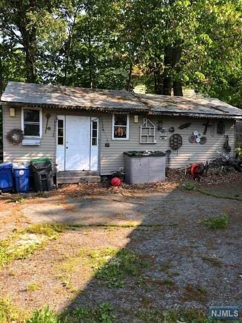 3 Horseshoe Bend Road, Ringwood, NJ 07456 (#21020930) :: United Real Estate