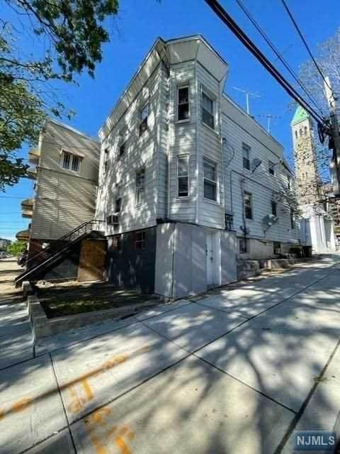 2 Skillman Avenue - Photo 1