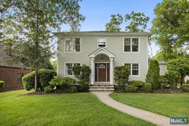 25 Oak Street, Cresskill, NJ 07626 (#21021356) :: United Real Estate