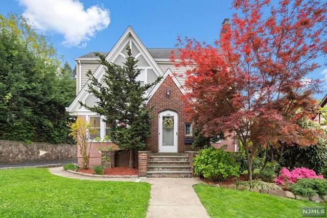 144 Howard Terrace, Leonia, NJ 07605 (MLS #21021666) :: Provident Legacy Real Estate Services, LLC