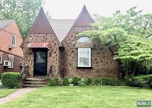 121 Oakdene Avenue, Leonia, NJ 07605 (MLS #21021671) :: Corcoran Baer & McIntosh