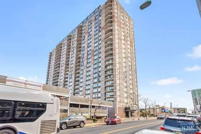 770 Anderson Avenue 9L, Cliffside Park, NJ 07010 (MLS #21022112) :: Howard Hanna | Rand Realty