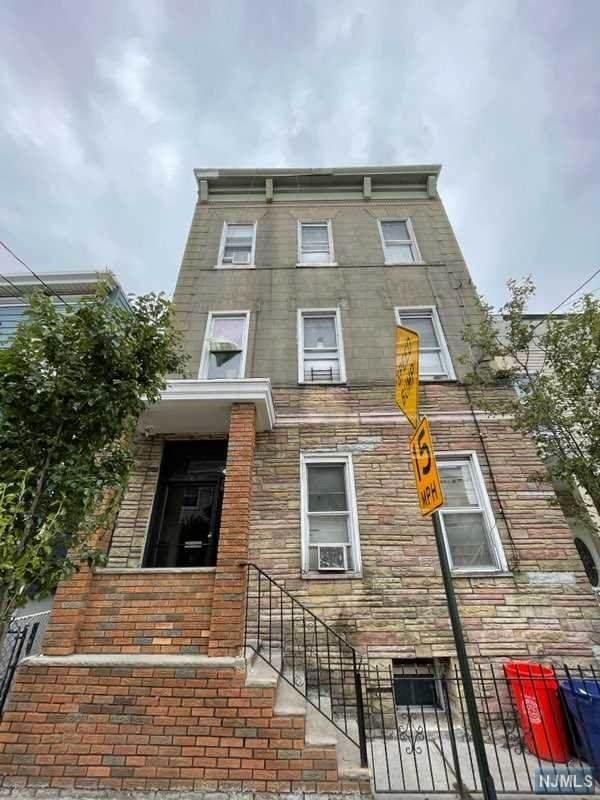 415 41st Street, Union City, NJ 07087 (#21022317) :: United Real Estate