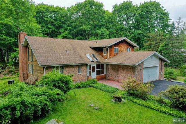 290 Brook Valley Road, Kinnelon Borough, NJ 07405 (#21022822) :: United Real Estate