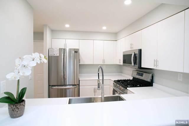 403 Ellery Court, Edgewater, NJ 07020 (MLS #21023355) :: Pina Nazario