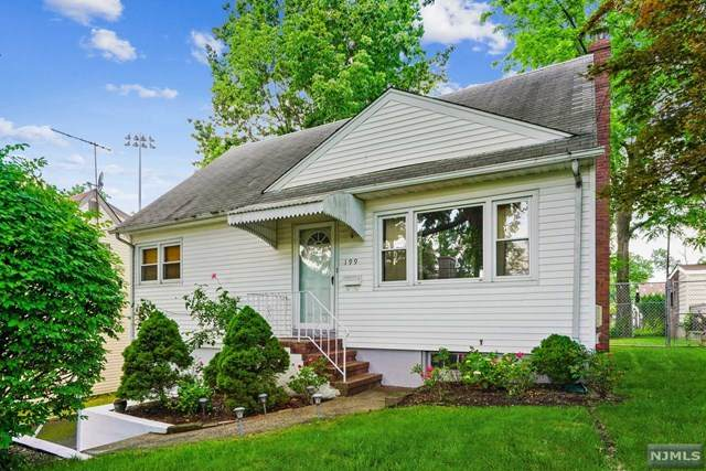 199 Hickory Avenue, Bergenfield, NJ 07621 (#21023404) :: United Real Estate