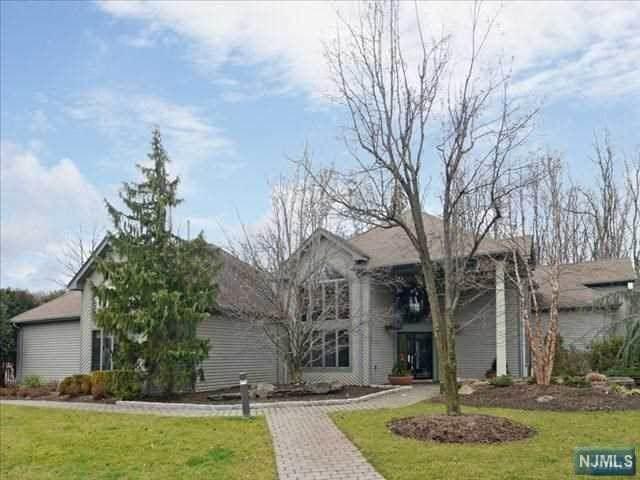 408 Dogwood Court, Norwood, NJ 07648 (#21023647) :: United Real Estate