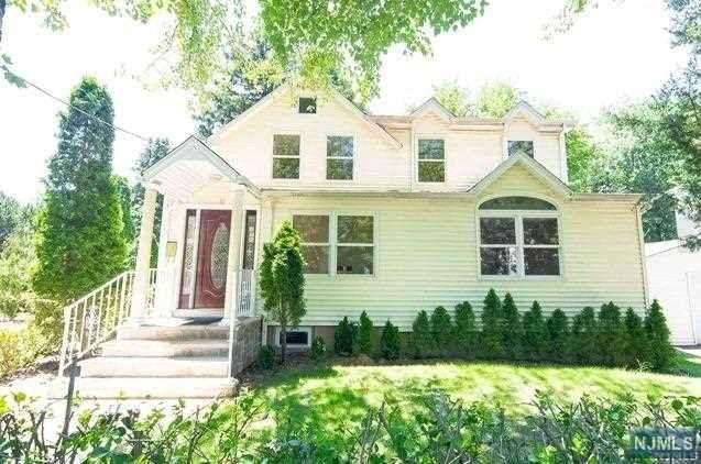 18 Lawrence Avenue, Dumont, NJ 07628 (MLS #21023648) :: RE/MAX RoNIN